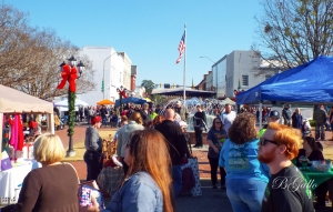 Christmas on the Square draws crafters, artists