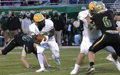 Coleman's OT rushing score propels Raiders past Pinecrest in opener