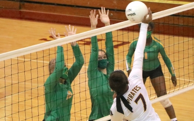 Lady Raiders fall at Lumberton, will reset for Thursday